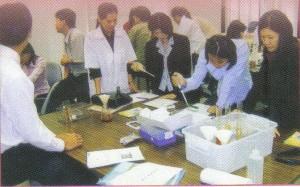 นักวิชาการทดลองใช้ชุดตรวจสอบ